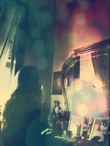 mujer espejo vintage