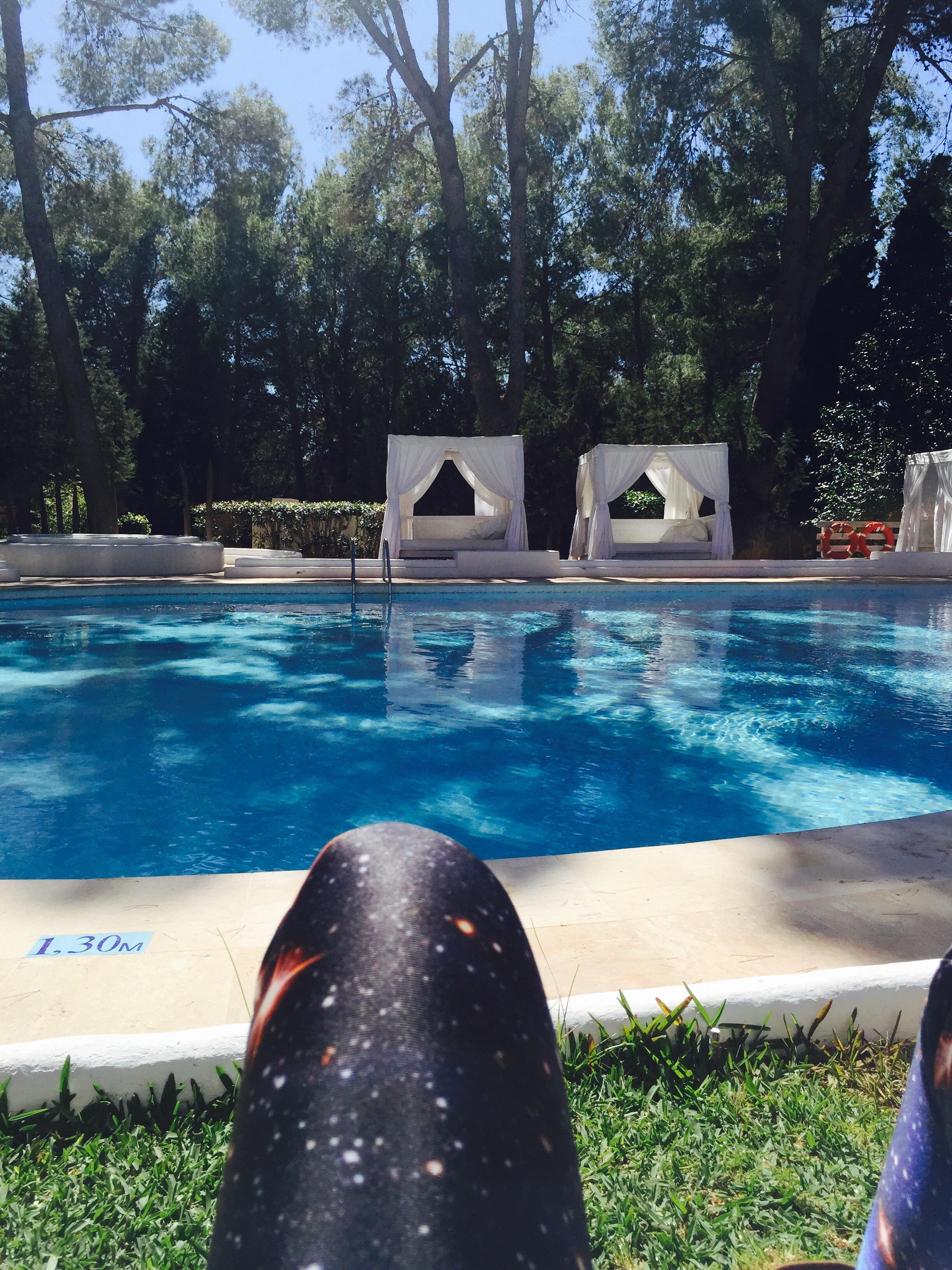 relax  junto piscina